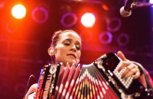 """Julieta Venegas performing her last show of """"Los Momentos"""" tour on Friday, May 2 at the House of Blues Anaheim in Anaheim, Calif. (Michael Carranza/Living Out Loud LA)"""