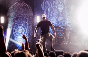Meshuggah's Jens Kidman commanded the Wiltern stage last night. (Taylor Wong/Living Out Loud LA)