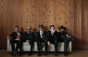 Don't miss your chance to see Kinky July 18 at the Reventón Super Estrella at Staples Center.