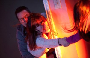 Sam Rockwell and Rosemarie DeWitt star in director Gil Kenan's Poltergeist. (Kerry Hayes/Twentieth Century Fox/MGM)