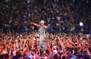 See big-venue veteran Kenny Chesney along with Jason Aldean at the Rose Bowl July 25.