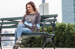 A behind-the-scenes look at Alyssa Milano in a new campaign for NFL apparel (courtesy of NFL)