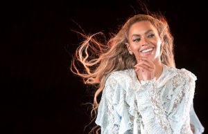 Beyoncé performing to a sold-out Dodger Stadium crowd on Sept. 14 (Daniela Vesco/Beyonce.com)