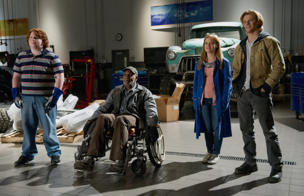 (l-r) Tucker Albrizzi, Danny Glover, Jane Levy and Lucas Till in Monster Trucks (Paramount Pictures)