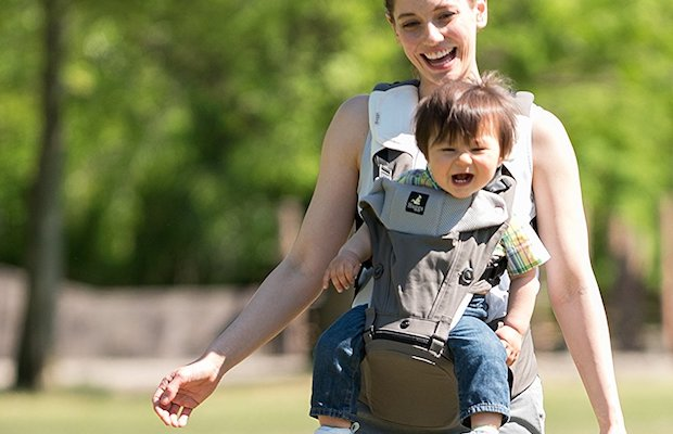 Carry your little one in comfort and style with HUGGS Baby Hip Seat.