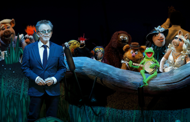 """Rainbow Connection"" featured Paul Williams with the Muppets during The Muppets Take the Bowl.  (Craig T. Mathew/Mathew Imaging)"