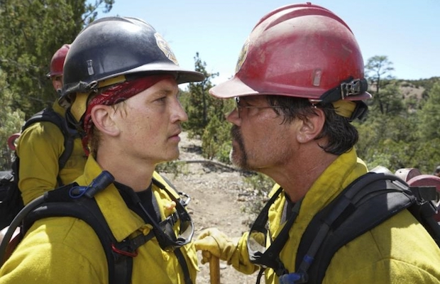 """Supe"" Eric Marsh (Josh Brolin) and Brendan McDonough (Miles Teller) in Only the Brave (Richard Foreman)"