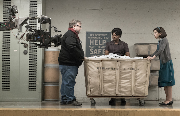 Guillermo del Toro, Octavia Spencer and Sally Hawkins on the set of The Shape of Water (Sophie Giraud)